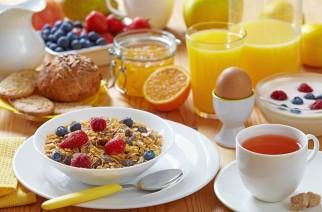 Snídaně je první jídlo dne. Co ale jíst proto, abychom si udrželi naši krásu?